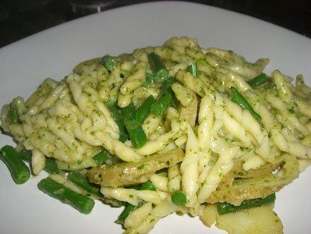 Trofie pasta Liguria (with pesto, green beans and potato)
