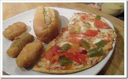 dr-oetker-pizza-garlic-bread