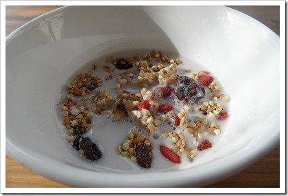 raw-fruity-granola