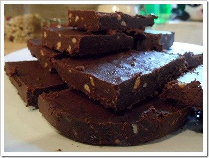 raw-vegan-chocolate-peanut-butter-fudge
