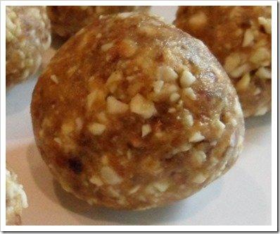 cashew-date-ball