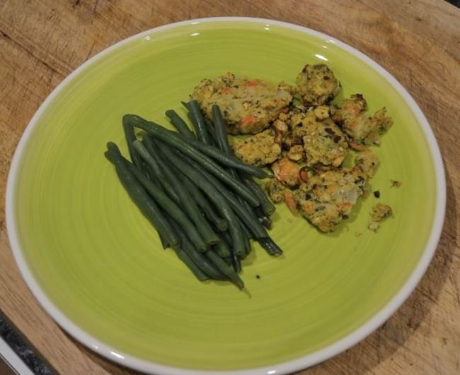 Bodychef chickpea patties and green beans