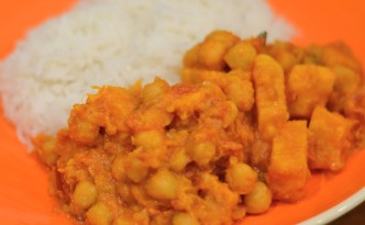 Vegan sweet potato, chickpea and coconut curry