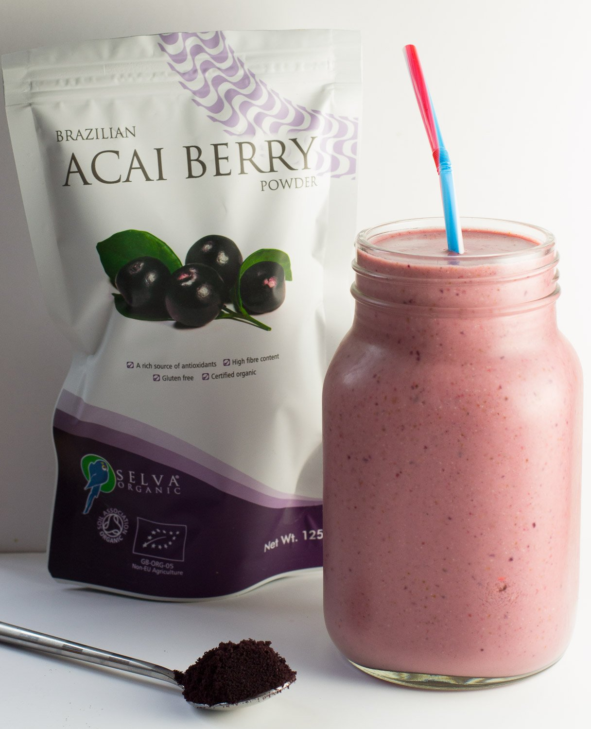 Acai berry powder smoothie