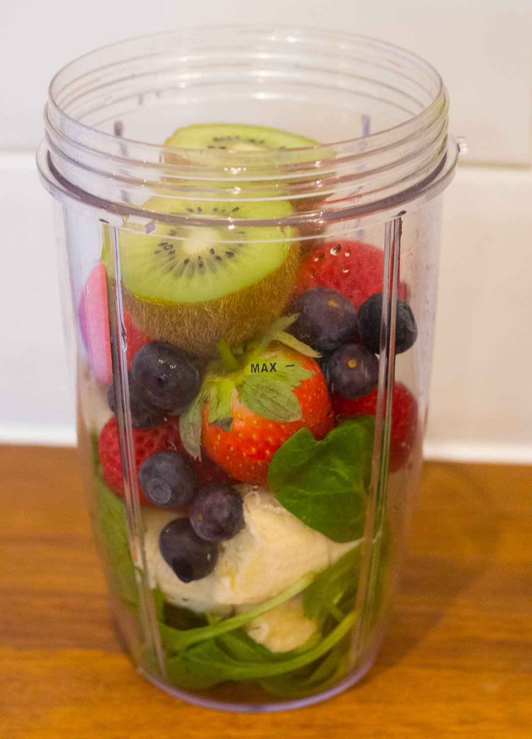 Banana, kiwi fruit, strawberry, blueberry Nutriblast