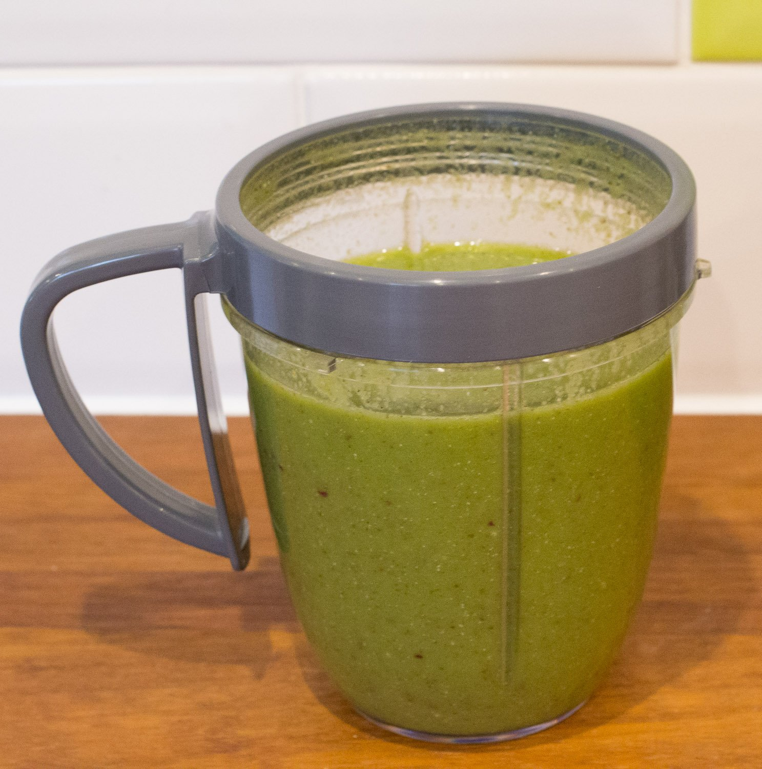 Spinach, clementine, apple and coconut water Nutriblast