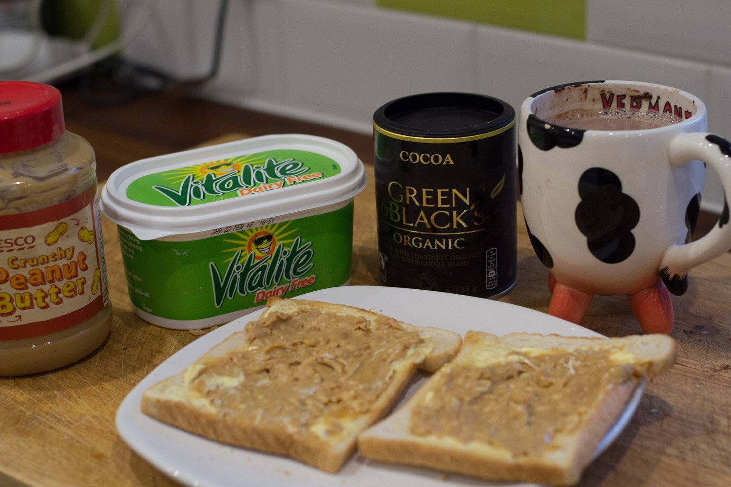 Vegan peanut butter on toast and hot chocolate
