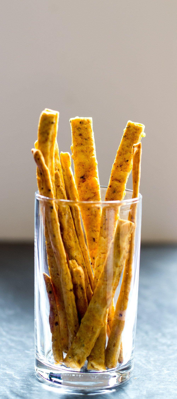 vegan-cheese-straws