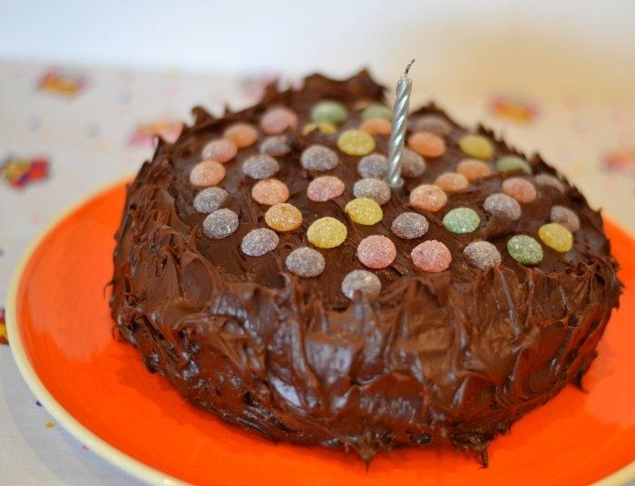 Cake Recipes In Veg: Recipe: Jelly Tots Chocolate Cake